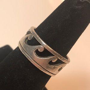 Vintage sterling wide band sz 8 1/2 wave ring